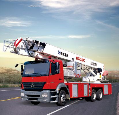 DG32C 登高平台消防车