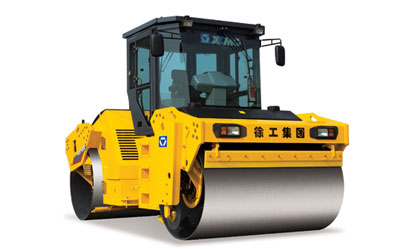 XD122 液压驱动双钢轮振动压路机