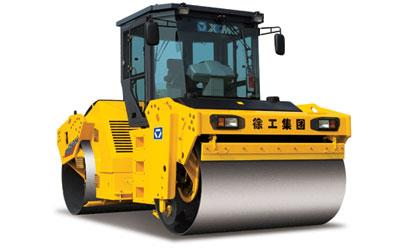 XD132 液压驱动双钢轮振动压路机